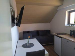 Apartma 3, bivalni prostor