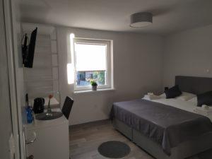 soba 2, postelja