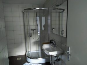 soba 2 s kopalnico